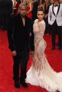 Ancora nude ma questa volta per Kim Kardashian in Cavalli